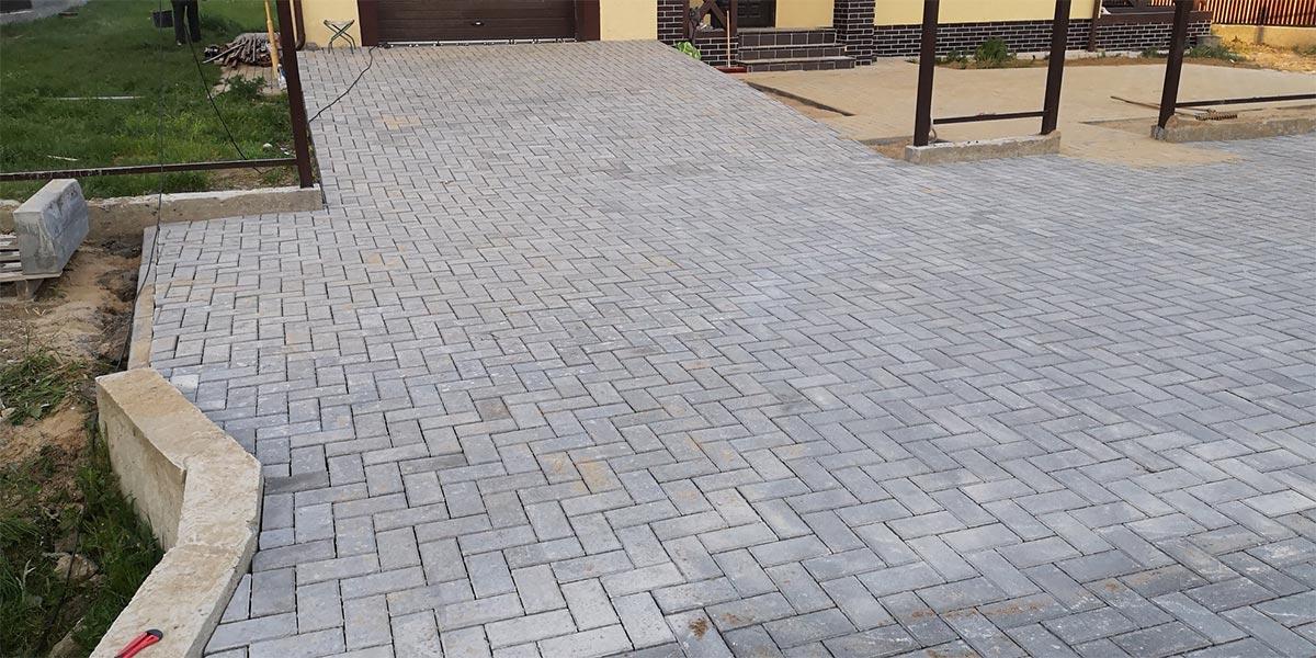 Укладка тротуарной плитки в Калининграде